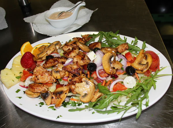 12 Salat PuteChamp Restaurant Shelale