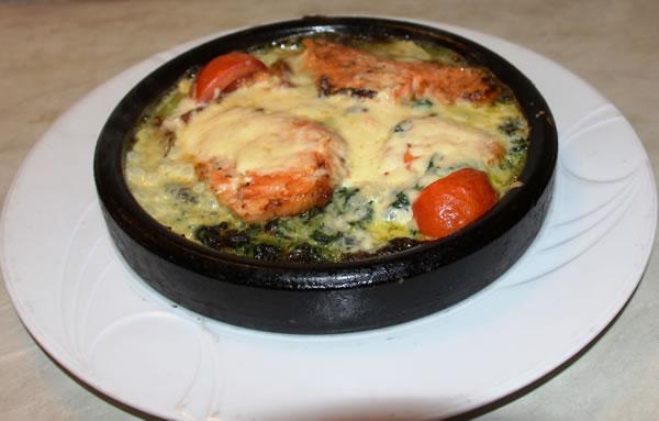 73 Lachs auf Spinat Restaurant Shelale